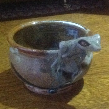 Tree frog bowl - Pottery