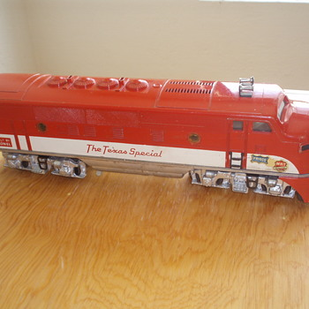 THE TEXAS SPECIAL LIONEL O27 GAUGE 1950's A & B UNITS - Model Trains