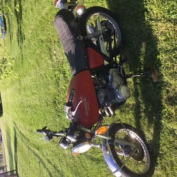 1975 Honda c b 400f  - Motorcycles