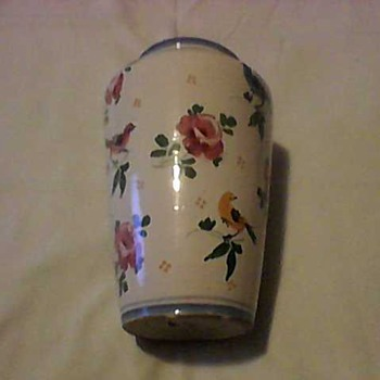 VINTAGE ITALIAN VASE