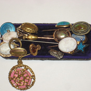 Pins Old - Costume Jewelry