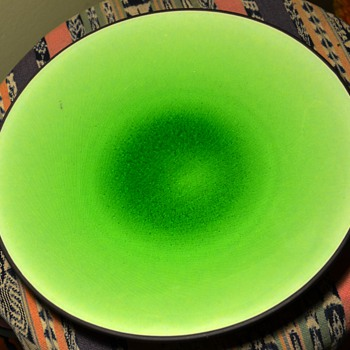 BRIGHT Green Dinner Plate - Unmarked/Unsigned