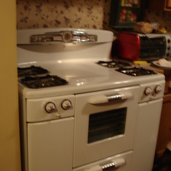 Tappan DeLuxe gas stove model 60