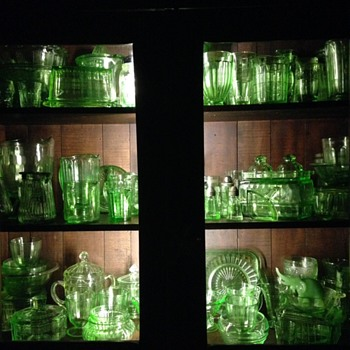 Green depression collection - Glassware
