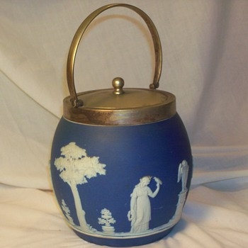 wedgwood biscuit container - China and Dinnerware