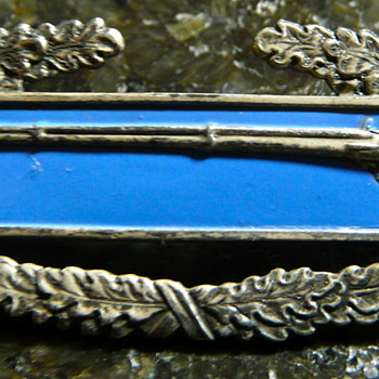 Army metal with long rifle/muscat - Military and Wartime