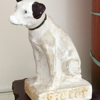 Nipper ~~ RCA's Beloved Spokesman ~~ Chalkware Advertising - Advertising