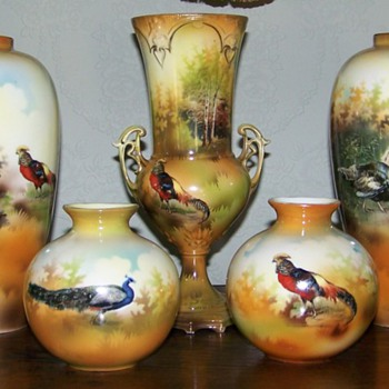 Some Fowl Prussian Vases - China and Dinnerware