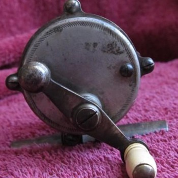 Vintage High Pillar Reel - Fishing