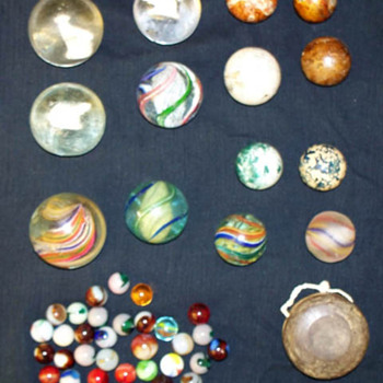 Old Marbles Mixed  Sulphide animals and an old Yo-Yo - Games