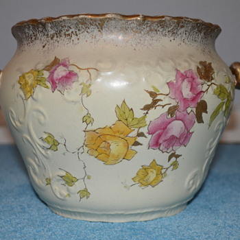 Big jardiniere from the end of 19th century - possibly continental - Art Pottery