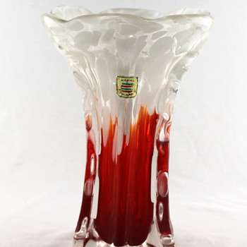 Kamei vase - this one took a while to grow on me! - Art Glass