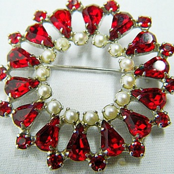 B David Gorgeous Brooch - Costume Jewelry