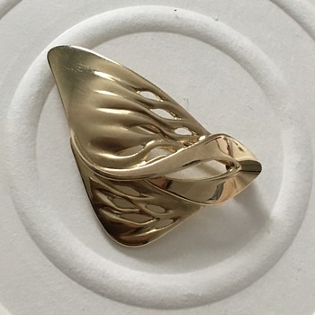 585 Brooch - Fine Jewelry