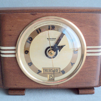"Hammond Day and Date Calendar Clock, ""Tripoli"", 1938 Case Model 2 - Art Deco"