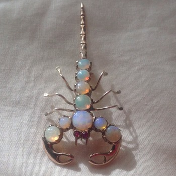Gold, Opal and Ruby brooch, Pendant - Fine Jewelry