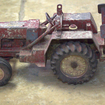 Old Toy Tractor - Model Cars