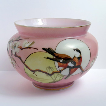 Baccarat Pink Japonisme Birds and Moon Opaline Vase, c. 1880 - Art Glass