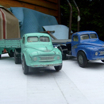 BMC LOADSTAR TRUCKS,tri-ang spot on england. - Model Cars