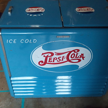 VERY RARE 1940's GE Pepsi Cooler - Advertising