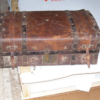 Vintage Trunk Jenny Lind - Saratoga - Furniture