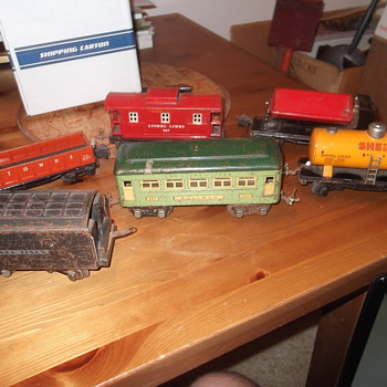 Lionel Pre-War Train Cars