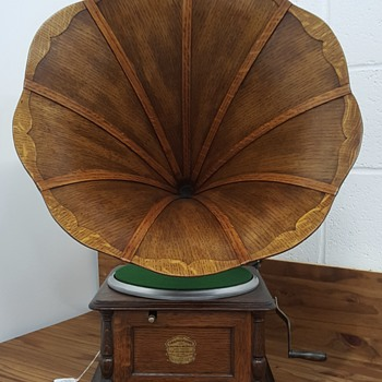"1905 Columbia ""BI"" Graphophone"