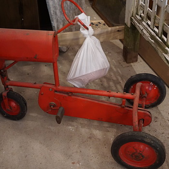 Small Riding Toy Tractor