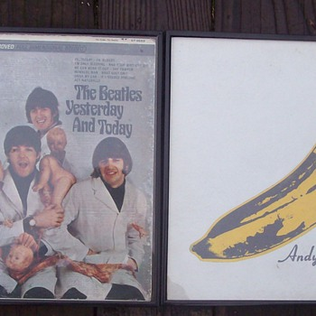 Beatle butcher & andy Warhol Velvet underground & Julian Lennon signature - Records