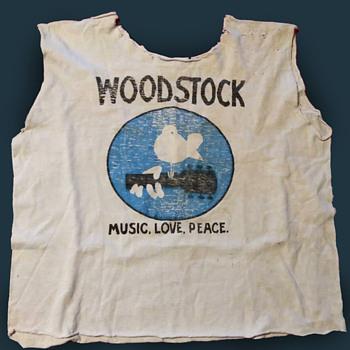 Original Concert Bought Woodstock 1969 Promotional T-Shirt