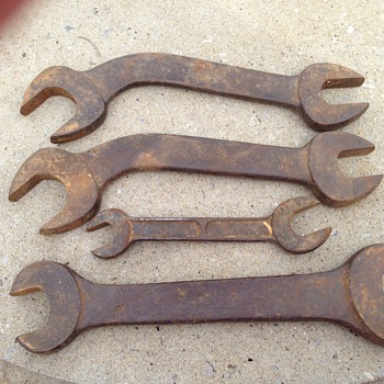 Wrenches?  Does anyone know the age & use of these? - Tools and Hardware