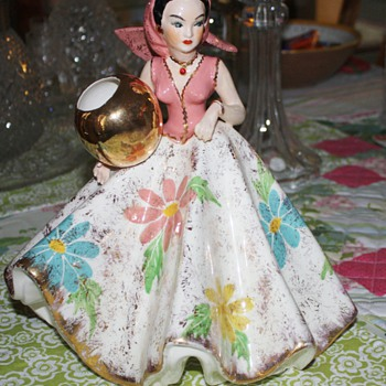 Has anyone seen a figurine like this one?? - Art Pottery