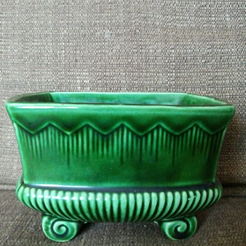 Green ceramic planter?