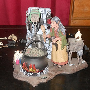 Aurora Salem Witch Model Polar Lights Recast - Toys
