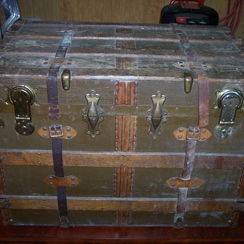 Double lock flattop trunk – my first project - Furniture
