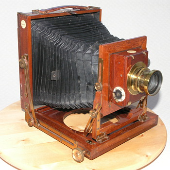 Camera Construction Co., The. |&quot;Falcon&quot; Field Camera | 1908 
