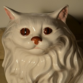 BIG Angora Kitty Planter - Figurines