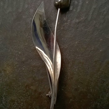 .835 Silver Tulip Brooch Post 1953 - Fine Jewelry