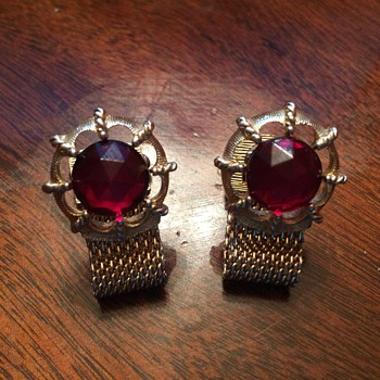 My very first pair of cufflinks. I acquired them in 1984.