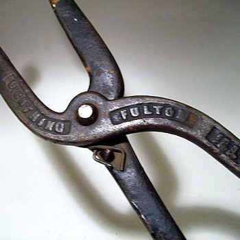 1897 ---- Cast Iron Shoe Stretch (Bunions) - Tools and Hardware