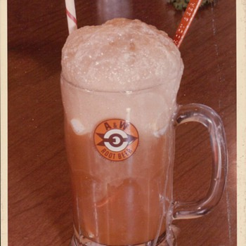 A&amp;W Root Beer Float - Photographs