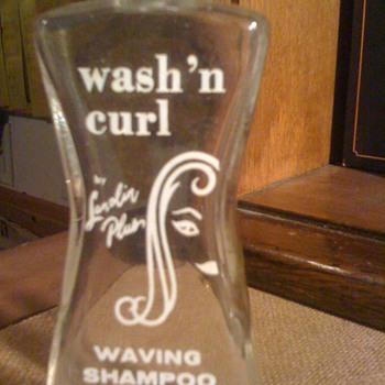 WASH N' CURL shampoo bottle vintage - Bottles