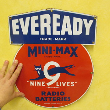 Rare USA 1940s/1950s: EVEREADY NINE LIVES  DIE-CUT ENAMEL SIGN