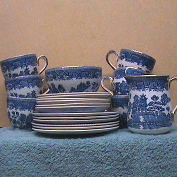 Irish Arklow Teaset - China and Dinnerware