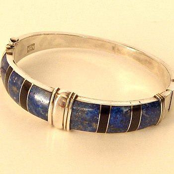 Gorgeous Vintage CHILE 900 Silver Lapis Onyx Bangle Bracelet Marked