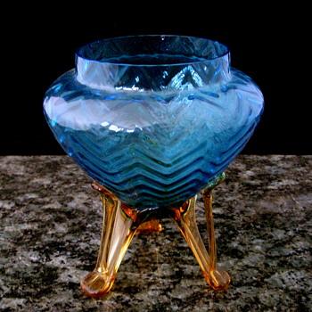 Kralik Blue Opalescent Herringbone Tripod Vase - Art Glass