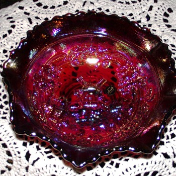 L.E. Smith Windmill Carnival Glass Bowl in Ruby Red