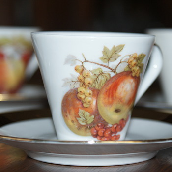 Small Cups and Saucers – Bavaria, Made in Germany - China and Dinnerware