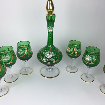 What is this part 3.  Green gold signed decanter with wine glasses - Glassware