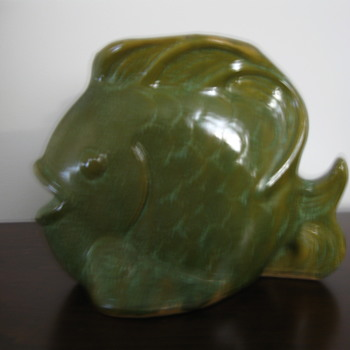 Fish flower vase ca 1930s or 40s - Pottery